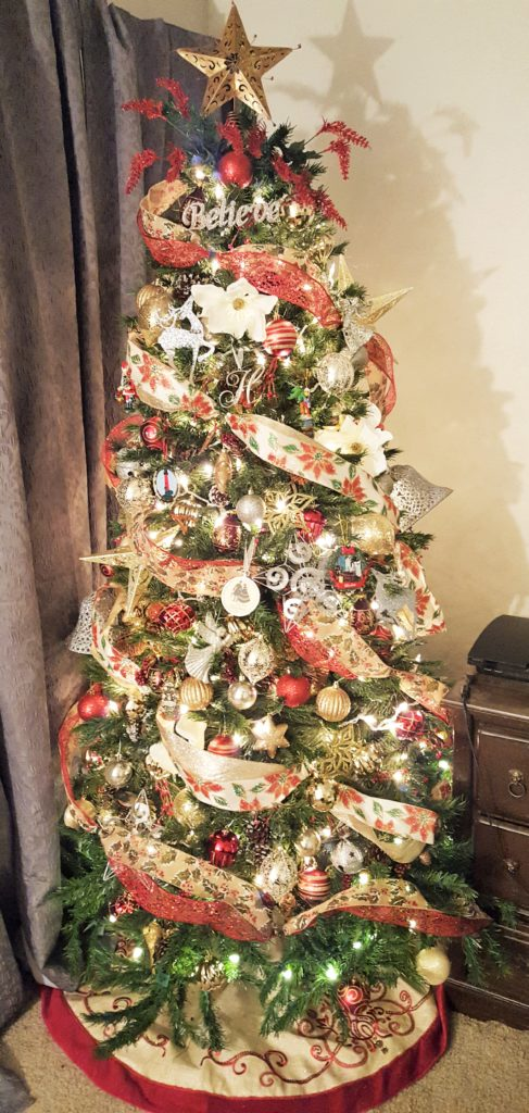 Decorate for christmas on a budget with these tips from Live Cheap and Travel Often!